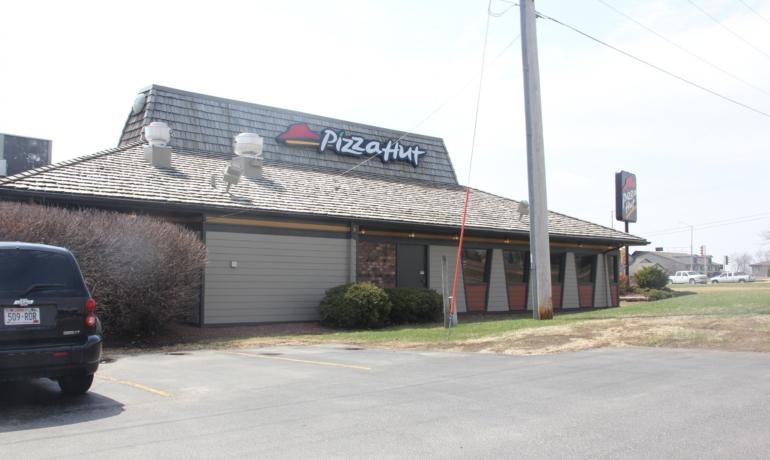 Pizza Hut | Monroe, WI