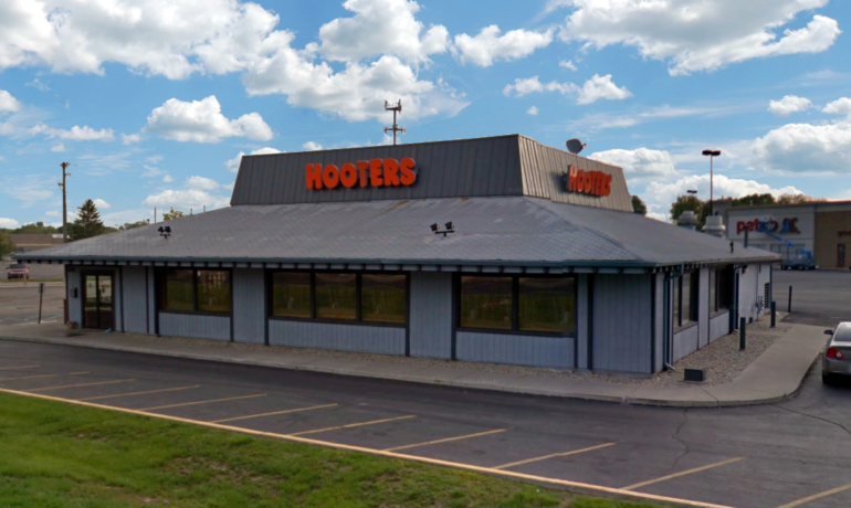 Hooters | Indianapolis, IN