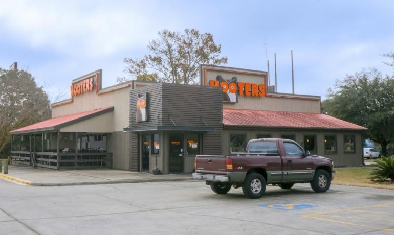 Hooters   Savannah, GA