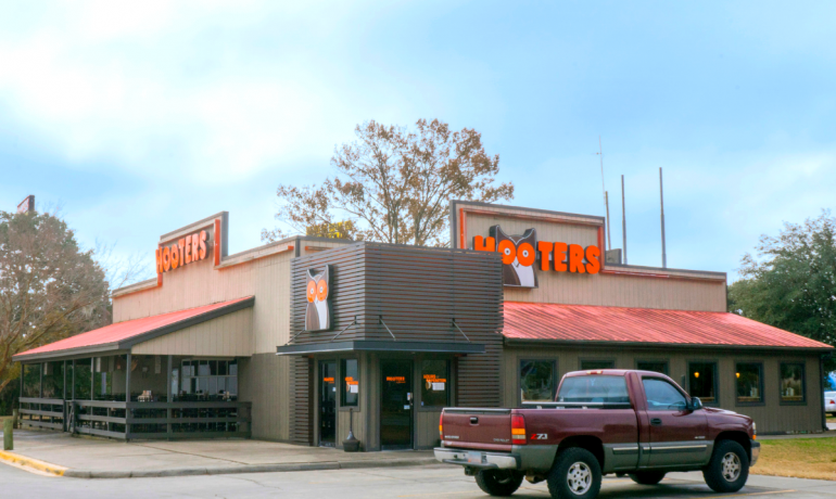 Hooters | Savannah, GA