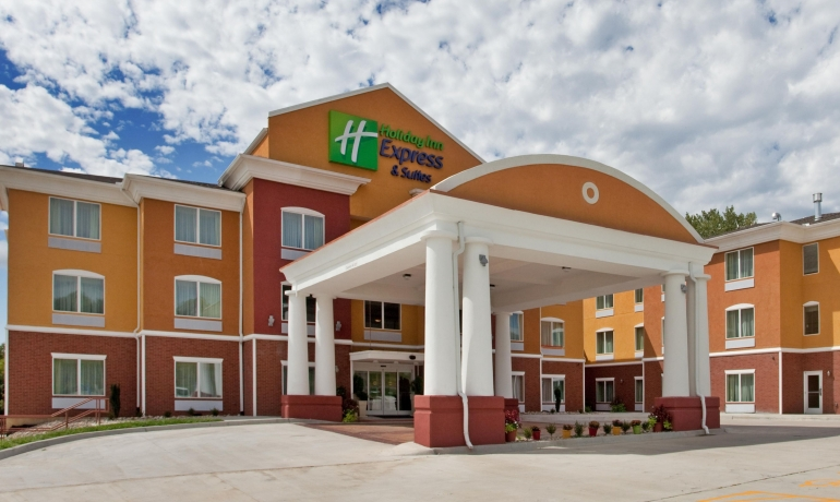 Holiday Inn Express And Suites | Kansas City, MO (Hotel and Operations)