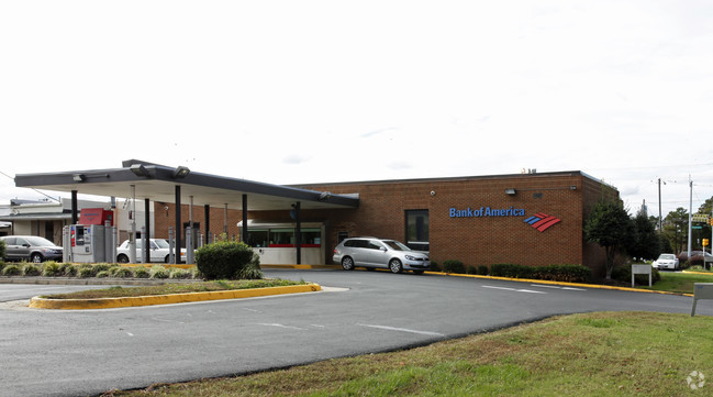 Bank of America   Colonial Heights, VA